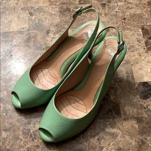 Green Nurture shoes, size 7